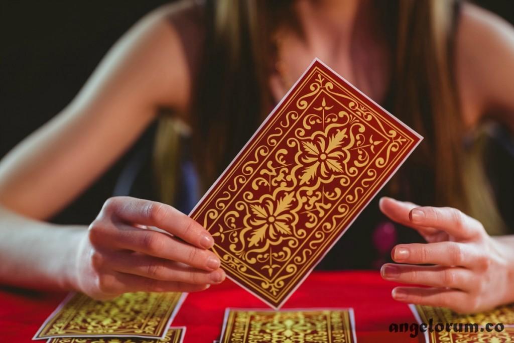 which tarot deck to choose as a beginner