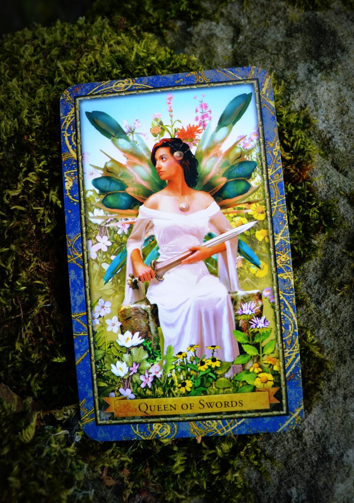 wizards-tarot-queen-of-swords