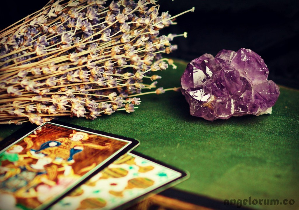 tarot healing amethyst and lavender