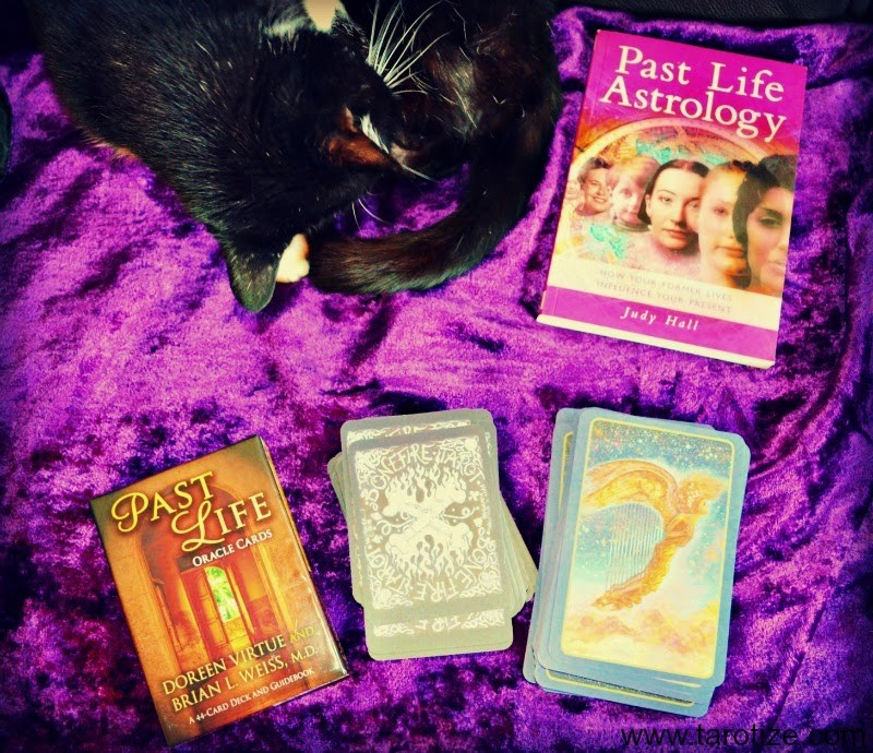 Past-Life-Tarot-Readings-with-Tarot-and-Oracle-Cards