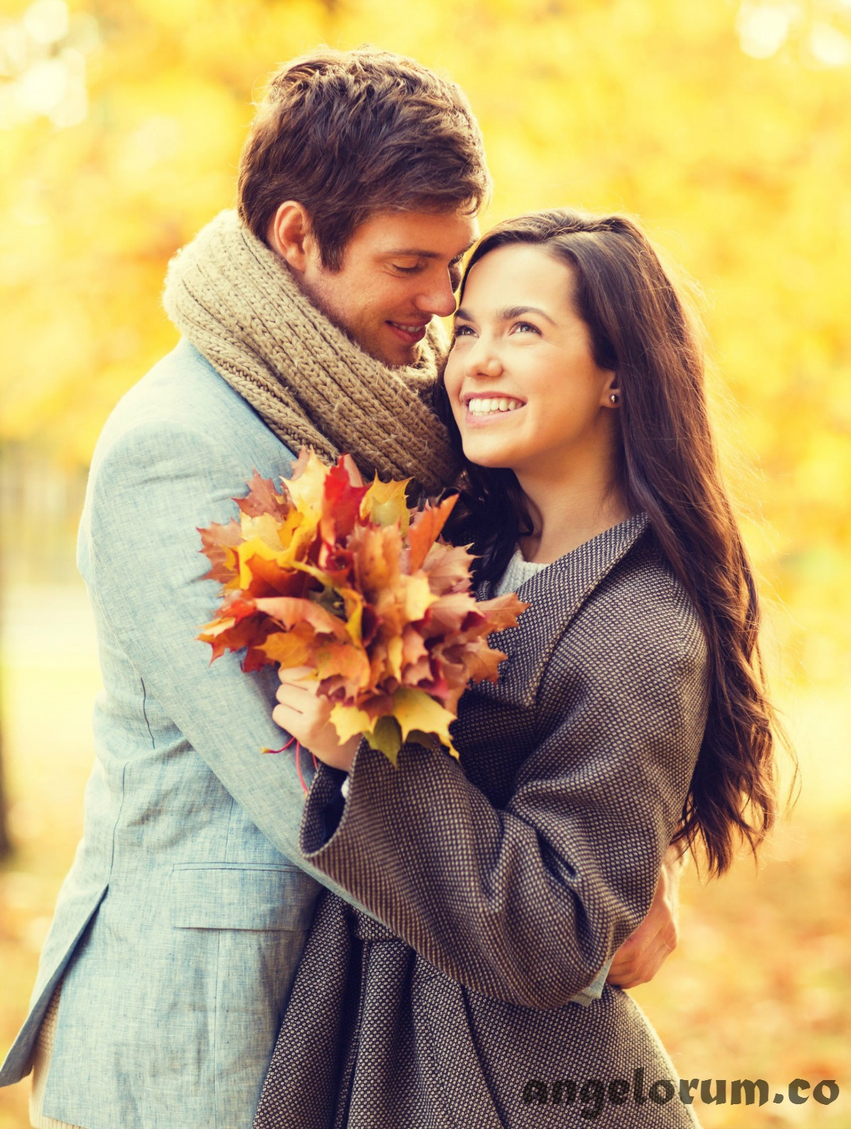 romantic couple love forecast for weekend 23 october