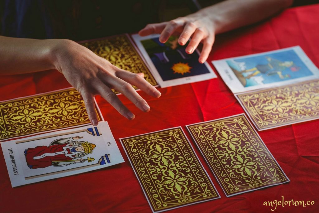 Tarot Reader - 15 Great Habits