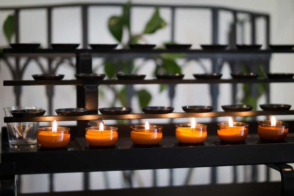 tea-lights-in-the-temple