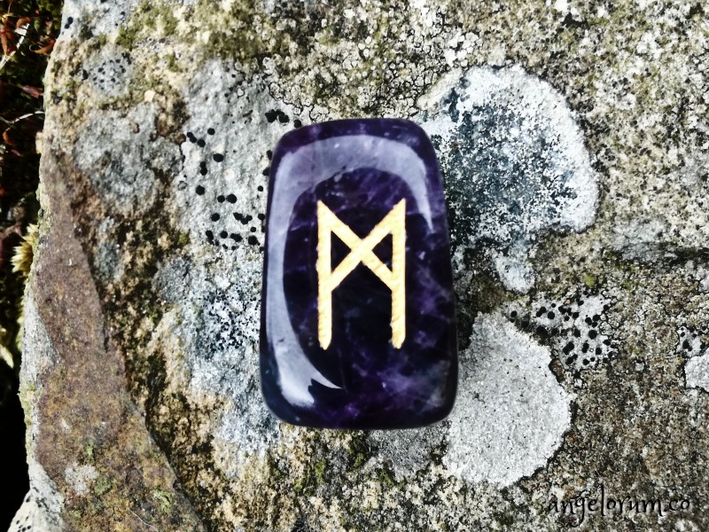 Holistic rune meanings and correspondences for the Mannaz Elder Futhark rune