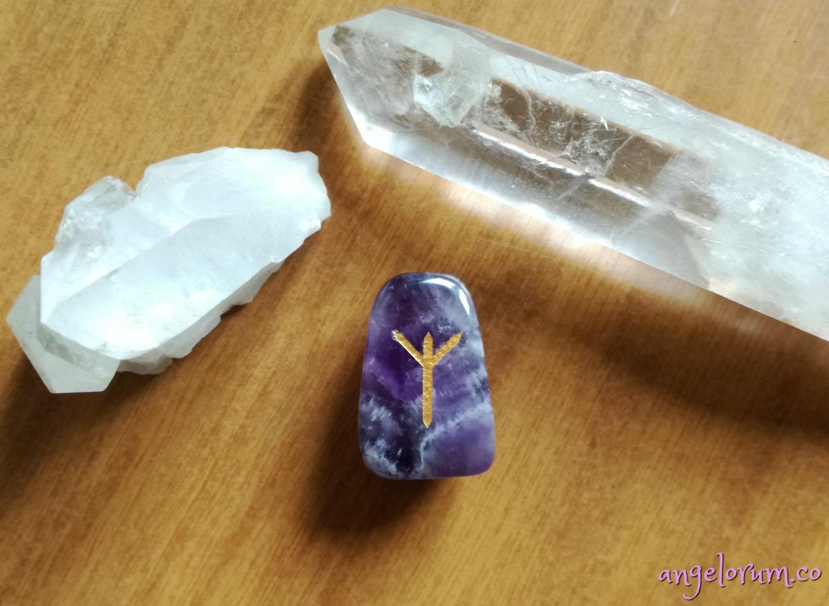 holistic meanings and correspondences for the elder futhark rune algiz