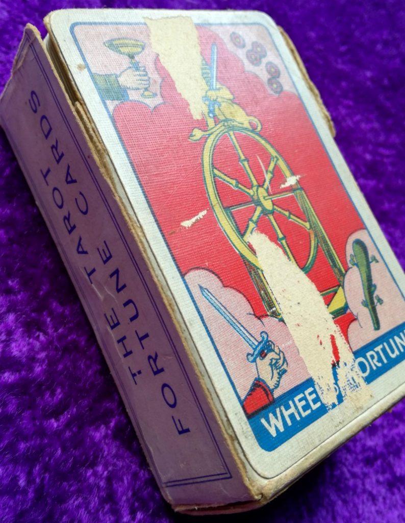 Thomson-Leng Tarot box